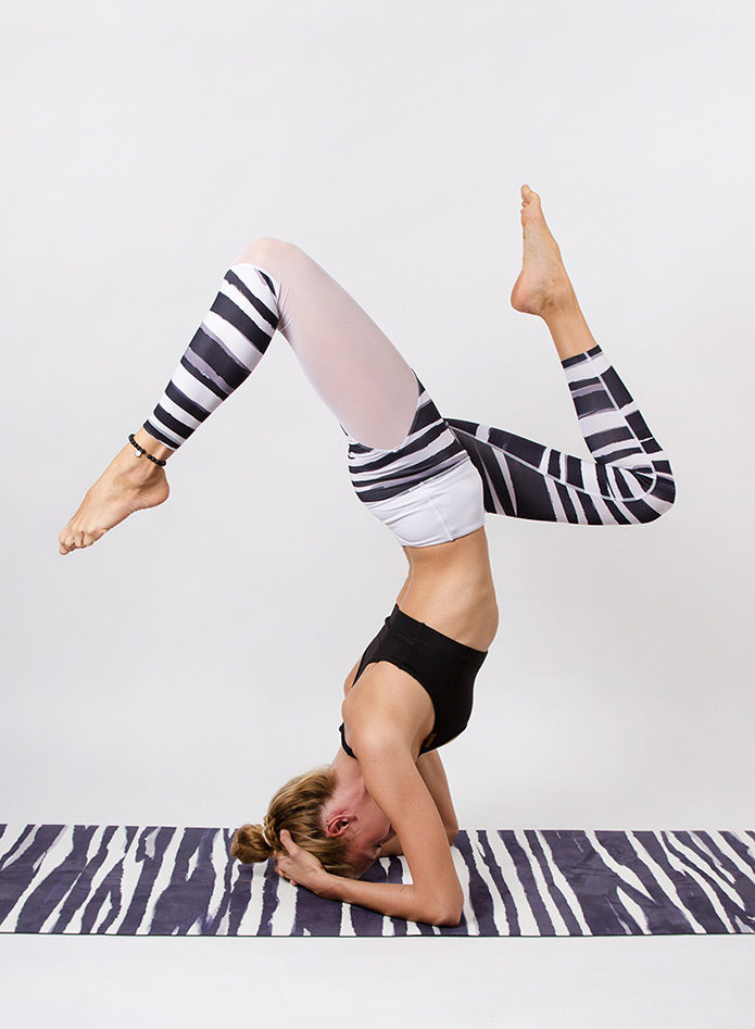 Yoga_pose_stripes